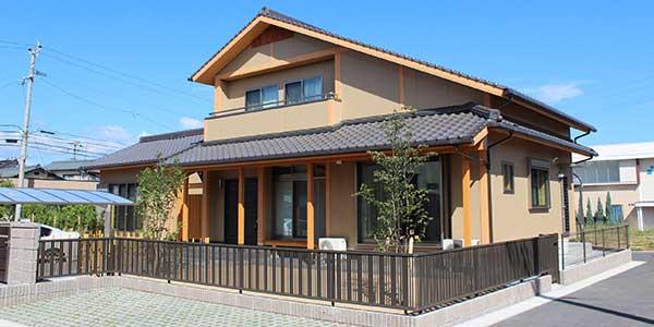 伝統数寄屋造りの家