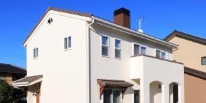 スペイン漆喰と桧の家