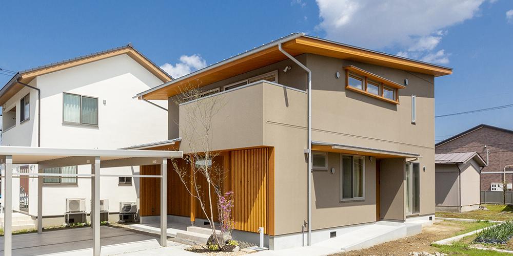 二世帯で暮らす木の家